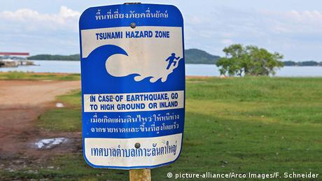 Thailand tsunami warning sign