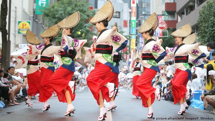 Танцоры в Токио