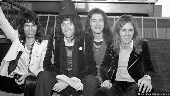 Großbritannien Freddie Mercury und Queen 1974 (Foto: dpa)