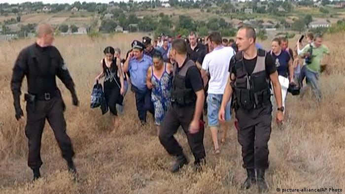 Роми Лощинівки в оточенні поліції, 28 серпня