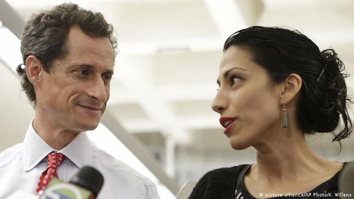 USA Anthony Weiner und Huma Abedin Pressekonferenz in New York