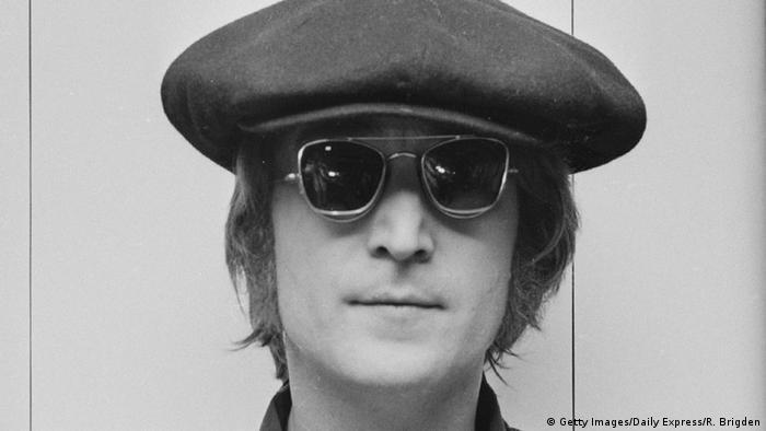 Diários do ex-Beatle assassinado em 1980 estão entre os itens encontrados pela polícia berlinense