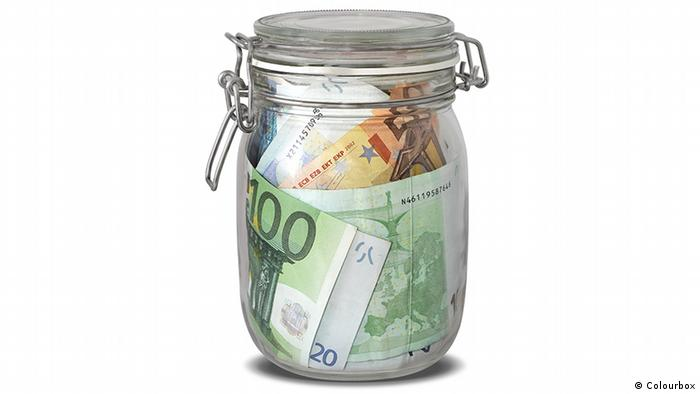 Euro notes in a jar (Colourbox)