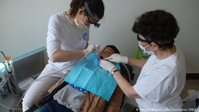 China Ehrenamtlicher Einsatz von deutschen Zahnärzten in Anshan (Dentists Without Limits Foundation (DWLF))