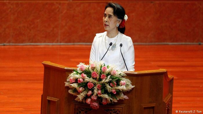 Myanmar Friedensgespräche in Naypyidaw - Aung San Suu Kyi