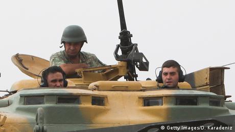Türkei Soldaten an der türkisch-syrischen Grenze nahe Karkamis (Getty Images/D. Karadeniz)