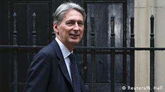 Σε περίπτωση που η Μεγάλη Βρετανία δεν έχει πλέον πρόσβαση στην ευρωπαϊκή αγορά μετά από ένα ενδεχόμενο σκληρό Μπρέξιτ, τότε η χώρα θα πρέπει να αναθεωρήσει το οικονομικό της μοντέλο, λέει ο Φ. Χάμοντ