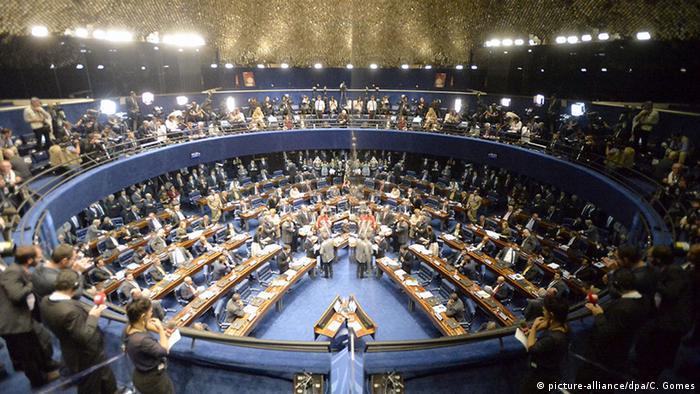 Anhörung vor der Abstimmung im Senat (Foto: dpa)