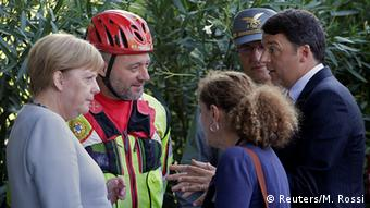 Merkel meets earthquake rescue teams