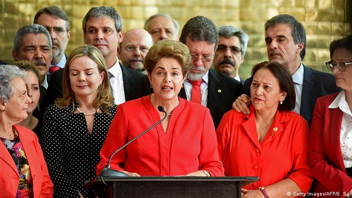 Brasilien Brasilia Dilma Rousseff Rede nach Amtsenthebung (Getty Images/AFP/E. Sa)