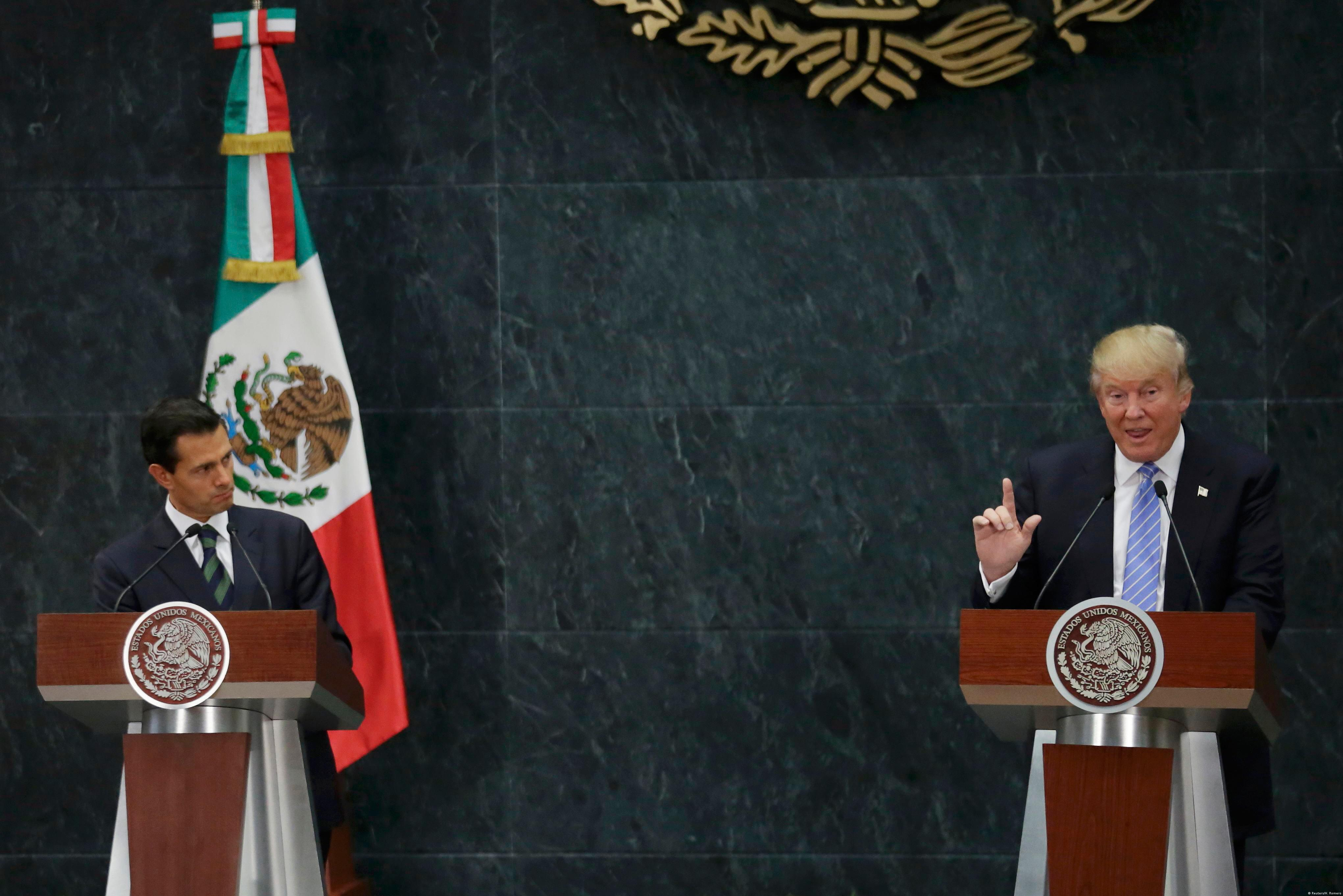 Mexican peso may slump to record low on Trump trade moves -traders