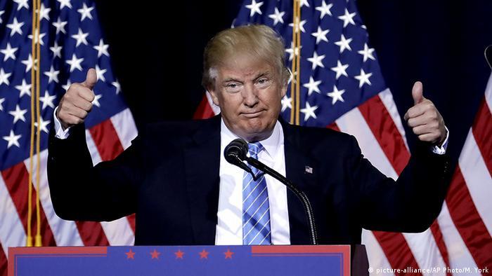 USA Donald Trump hält eine Rede in Phoenix