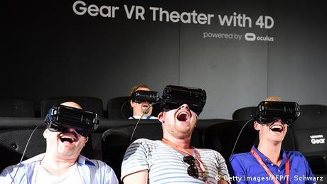 Deutschland IFA 2016 Samsung VR Brille