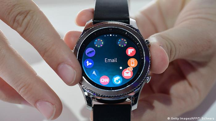 Deutschland IFA 2016 Samsung Gear S3 smart watch