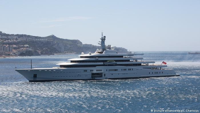Luxus Yacht Eclipse (picture-alliance/dpa/C.Charisius)