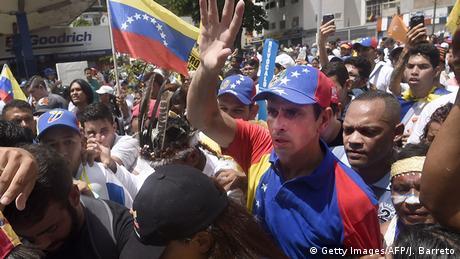 Venezuela Proteste gegen amtierende Regierung (Getty Images/AFP/J. Barreto)