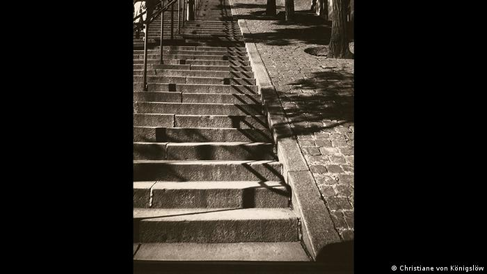 Stairs to the Sacre Coeur in Paris, 1928, Copyright: Käthe Kollwitz Museum Köln - Ausstellung Annelise Kretschmer