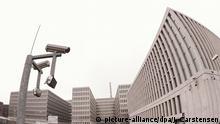 ARCHIV - Blick auf das Gebäude der neuen Zentrale des Bundesnachrichtendienstes (BND) am 27.04.2015 in Berlin. Foto: Jörg Carstensen/dpa (zu dpa Reformbaustellen beim Bundesnachrichtendienst vom 05.07.2016) +++(c) dpa - Bildfunk+++ © picture-alliance/dpa/J. Carstensen