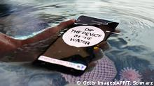 31 August 2016 The waterproof GalaxyNote7 phone is presented at the IFA (Internationale Funkausstellung) electronics trade fair in Berlin on 31 August 2016. The IFA is considered the worldwide biggest leading fair for entertainment electronics, IT and household appliances and opens its doors from September 2 till 7. / AFP / TOBIAS SCHWARZ (Photo credit should read TOBIAS SCHWARZ/AFP/Getty Images) (c) Getty Images/AFP/T. Schwarz