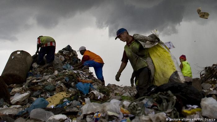 Brasil terá até 3,6 milhões de 'novos pobres' em 2017, afirma Banco Mundial