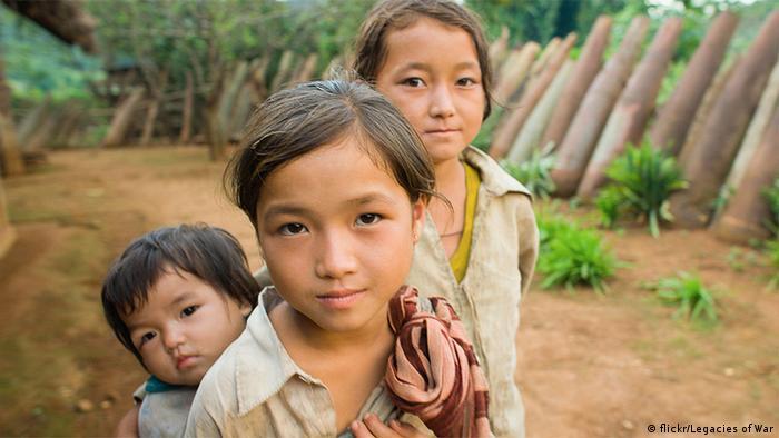 Laos - Legacies of War Fotos zum Leben im Bombenverseuchten Gebiet