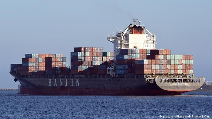 USA Hafen von Long Beach Kalifornien Containerschiff Hanjin Montevideo