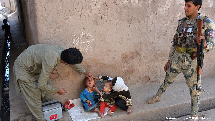 Afghanistan Polioimpfung (Getty Images/AFP/N. Shirzada)