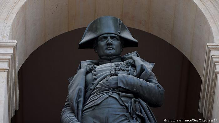 Statue Napoleon Bonaparte in Paris (c) picture-alliance/Gep/Citypress24