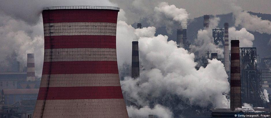 Foto ilustrasi pembangkit batu bara di Cina