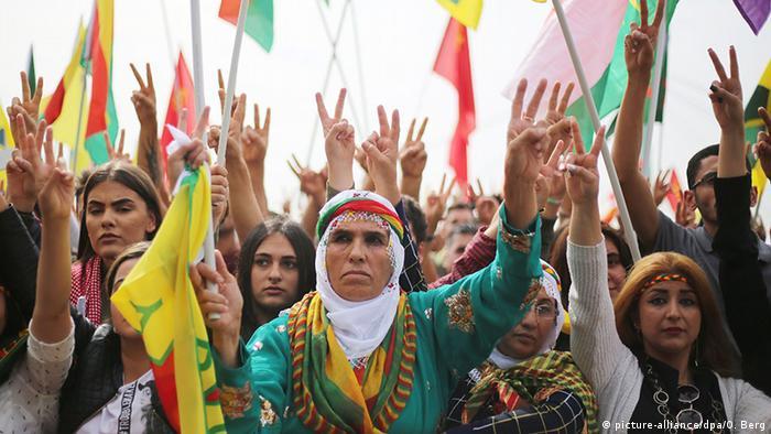 Almanya'daki Kürtler Köln'de bir araya geldi: Diktatörlüğe hayır 79