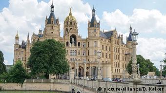 Deutschland Schweriner Schloss (picture-alliance/D. Kalker)