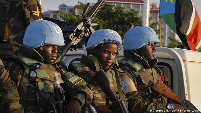 Südsudan Einwilligung Sationierung zusätzlicher Blauhelmsoldaten (picture-alliance/AP Photo/J. Lynch)