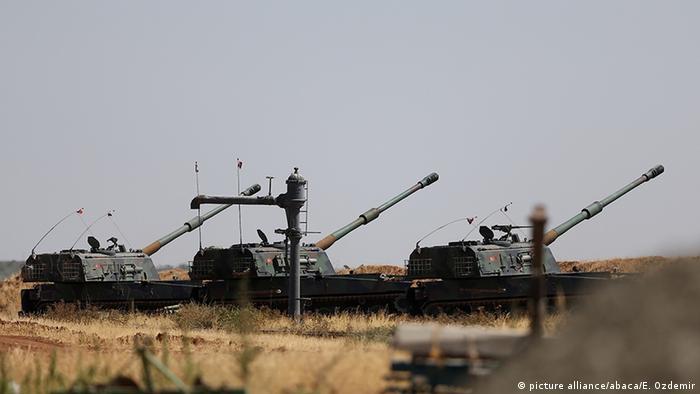 Турецька військова техніка неподалік від кордону з Сирією, архівне фото