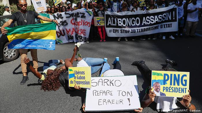 Gabonese in exile protest the election outcome © Getty Images/AFP/T. Samson