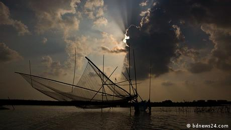 Bangladesch Dhaka Touristen Moinot ghat Padma Fluss