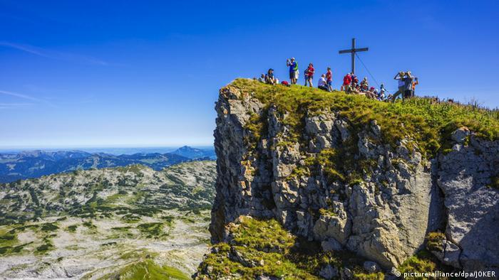 Gipfelkreuz auf dem Hohen Ifen (picture-alliance/dpa/JOKER)