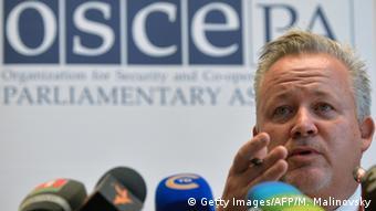 Weißrussland Minsk OSZE Wahlbeobachter Kent Harstedt (Getty Images/AFP/M. Malinovsky)