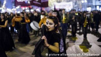 Mulheres foram às ruas de Santiago em julho de 2016 para protestar a favor do aborto