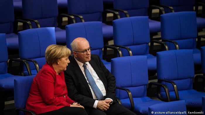 Angela Merkel Volker Kauder Bundestag Berlin