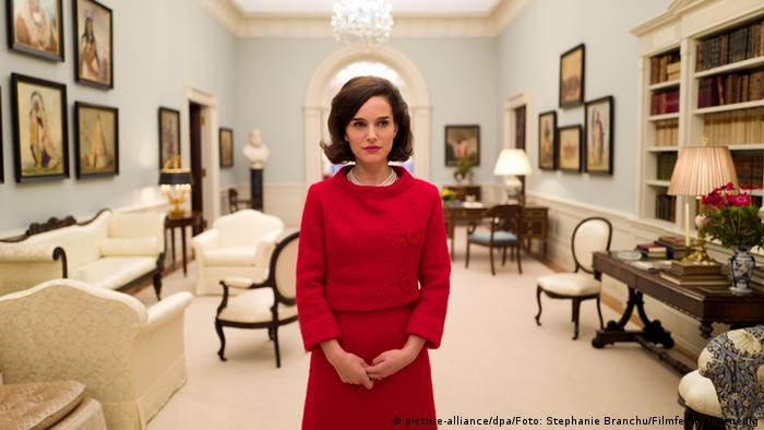 Natalie Portman in the film Jackie (picture-alliance/dpa/Foto: Stephanie Branchu/Filmfestival Venedig)