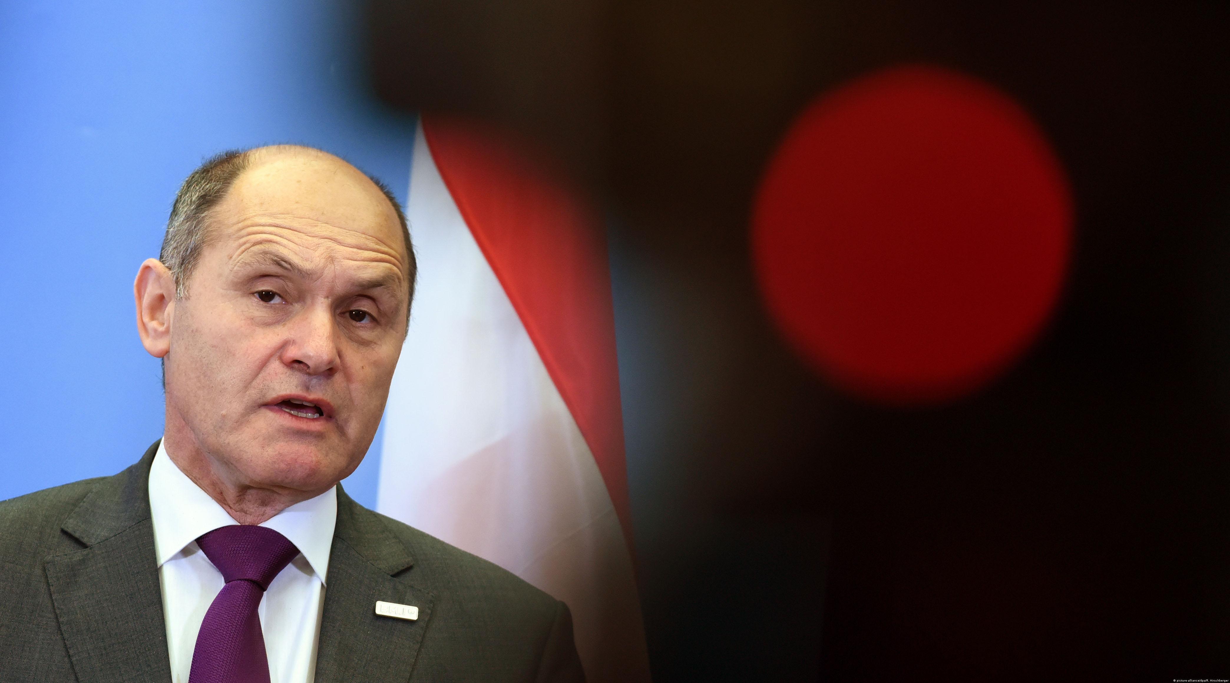 Θα συνεχιστούν οι έλεγχοι στα αυστριακά σύνορα, δηλώνει ο υπΕσ. Βόλφγκανγκ Σόμποτκα