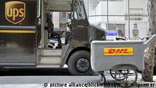 UPS und DHL-Kurierdienst, USA, New York City, Manhattan | UPS and DHL courier services , USA, New York City, Manhattan | Verwendung weltweit picture alliance/blickwinkel/W. G. Allgoewer