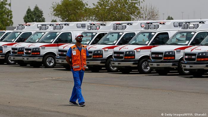 Saudi Arabien Mekka Krankenwagen (Getty Images/AFP/A. Gharabli)