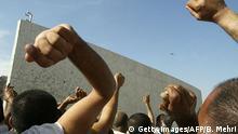 Saudi Arabien Mekka Pilger Werfen der Steine auf die 'Aqaba-Säule