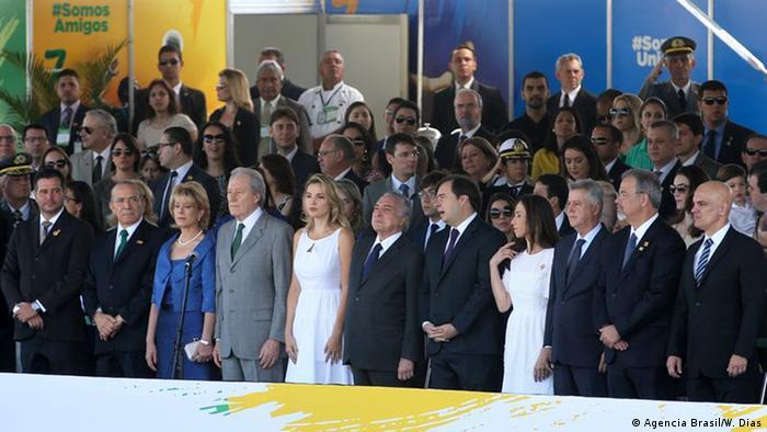 Em primeiro evento público no Brasil como presidente, Michel Temer enfrenta protestos