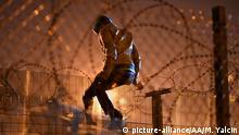 Frankreich Calais Jungle Zaun Flüchtinge