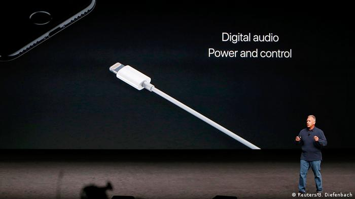 USA Apple Phil Schiller präsentiert das iPhone 7 in San Francisco Lightning connector