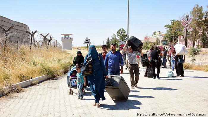 عشرات السوريين لا يزالون عالقين على الحدود بين المغرب والجزائر