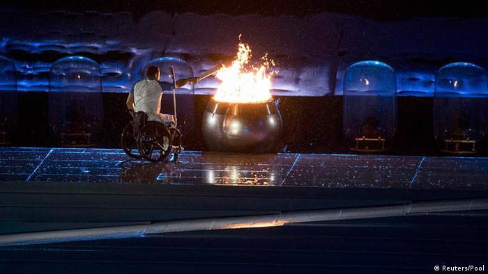 Entzündung Paralympisches Feuer (Foto: Reuters)