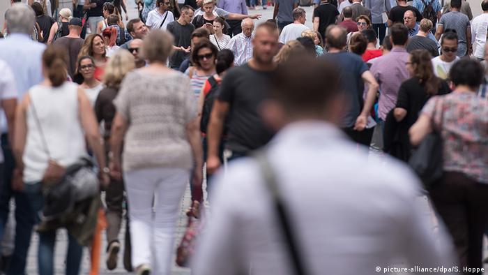Две трети немцев критически настроены по отношению к России